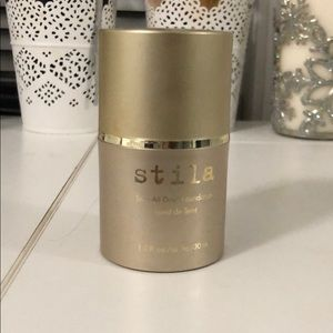 Stila Stay All Day foundation in Caramel